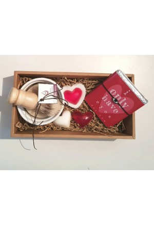 GIFT BOX WITH SOAPS, CHOCOLATE AND EYE CHARM